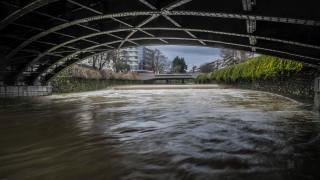 Κατέρρευσε ιστορική γέφυρα στην Κρήτη από ορμητικά νερά