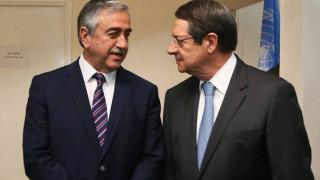 Αναστασιάδης - Ακιντζί ξανά στο τραπέζι με στόχο την επανέναρξη των συνομιλιών