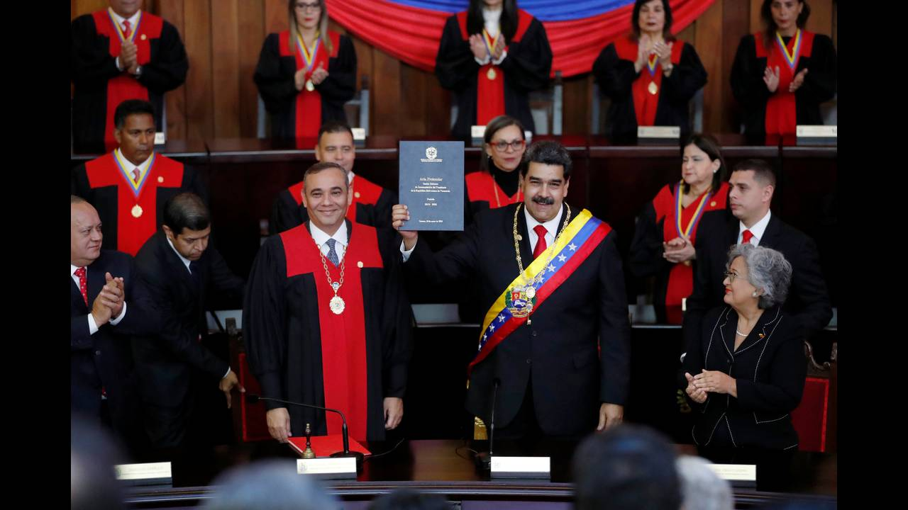 https://cdn.cnngreece.gr/media/news/2019/02/26/167037/photos/snapshot/2019-01-10T170531Z_1369479312_RC1187174BB0_RTRMADP_3_VENEZUELA-POLITICS.JPG