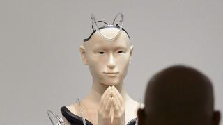Μίνταρ: Ρομπότ - μοναχός διδάσκει τη συμπόνια σε ιαπωνικό βουδιστικό ναό