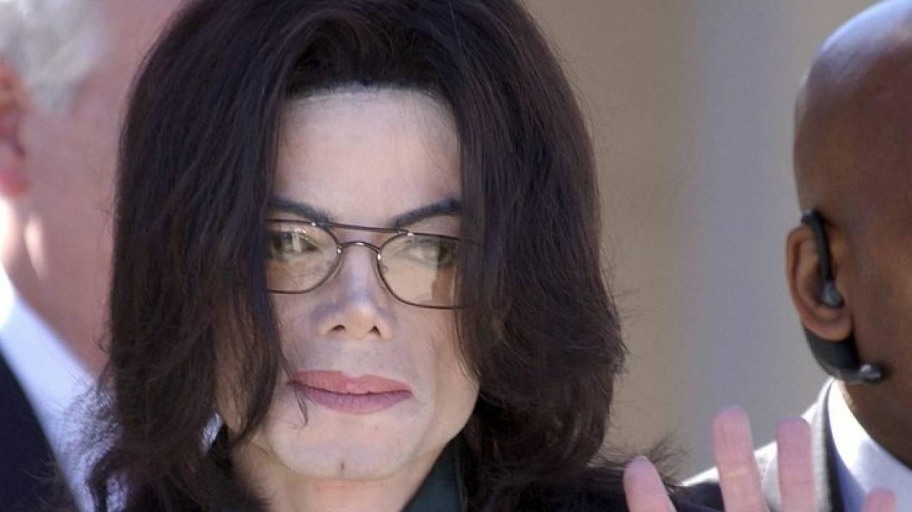 «Ο Μάικλ Τζάκσον υπήρξε θύμα βιασμού όταν ήταν παιδί»: Η αποκάλυψη του γιατρού του