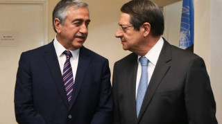 Συνάντηση Αναστασιάδη-Ακιντζί: Σε καλό κλίμα, αλλά χωρίς σύγκλιση απόψεων
