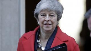 Βρετανία: Η Μέι ρίχνει το μπαλάκι στους βουλευτές για Brexit χωρίς συμφωνία ή καθυστέρηση