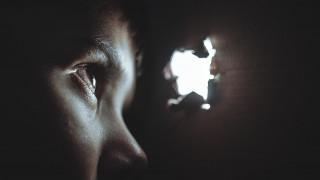 Ηράκλειο: Γιατρός κατηγορείται ότι κακοποιούσε σεξουαλικά το γιο της συντρόφου του