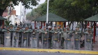 Βενεζουέλα: Εκατοντάδες τα στελέχη των Ενόπλων Δυνάμεων που λιποτάκτησαν