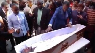Νότια Αφρική: Σάλος με τον πάστορα που «ανέστησε» νεκρό