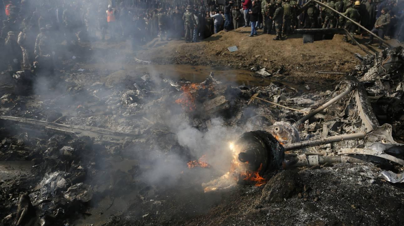 Σε τεντωμένο σχοινί οι σχέσεις Ινδίας – Πακιστάν: Κατερρίφθησαν ινδικά αεροσκάφη