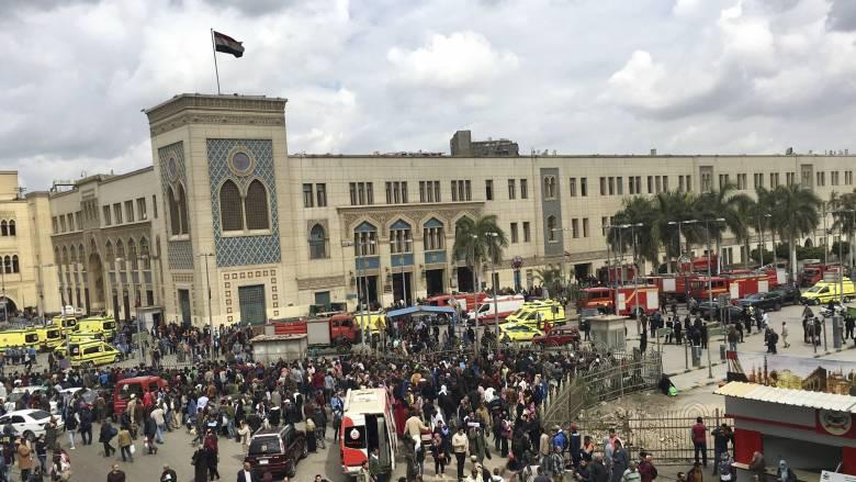 Νεκροί και τραυματίες από φωτιά στον κεντρικό σιδηροδρομικό σταθμό του Καΐρου