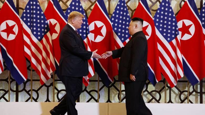 Σε θερμό κλίμα η συνάντηση Ντόναλντ Τραμπ - Κιμ Γιονγκ Ουν