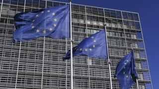 «Βόμβα» από Βρυξέλλες: «Μαχαίρι» σε μισθούς και συντάξεις εάν το ΣτΕ επιστρέψει αναδρομικά και δώρα