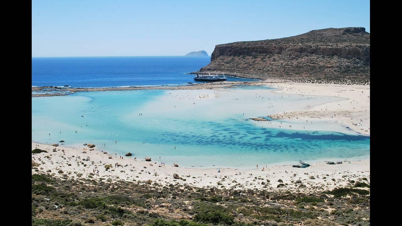 https://cdn.cnngreece.gr/media/news/2019/02/27/167261/photos/snapshot/balos-lagoon-506020_1280.jpg