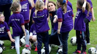 Πρίγκιπας Ουίλιαμ και Κέιτ Μίντλετον έπαιξαν ποδόσφαιρο για καλό σκοπό