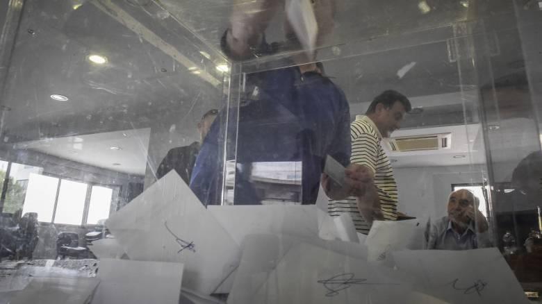 Ευρωεκλογές 2019: «Πόλεμος» για την ψήφο των Ελλήνων στη Βρετανία
