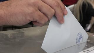 Νέα δημοσκόπηση: Ποια η διαφορά ΣΥΡΙΖΑ - ΝΔ και ποια κόμματα μένουν εκτός Βουλής