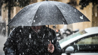 Τι συμβαίνει με τις βροχοπτώσεις; Η μισή Ελλάδα «πνίγηκε» και η υπόλοιπη είπε τη βροχή… βροχούλα!