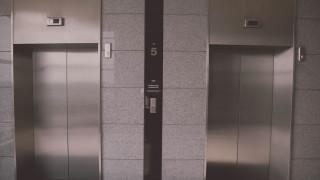 Θεσσαλονίκη: Έξυπνο ασανσέρ ενεργοποιείται μόνο με… τη φωνή για ιερό σκοπό