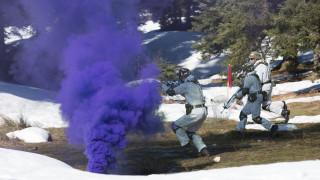 Εντυπωσιακές εικόνες από τη χειμερινή εκπαίδευση της Σχολής Μονίμων Υπαξιωματικών