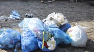 Σκουπιδότοπος η Θεσσαλονίκη μετά την Τσικνοπέπτη: Παράτησαν 135 τόνους σκουπίδια στο δρόμο