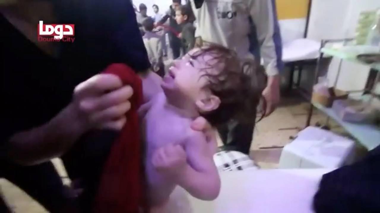 https://cdn.cnngreece.gr/media/news/2019/03/01/167563/photos/snapshot/2018-04-08T211845Z_2105416578_RC1140BFB200_RTRMADP_3_MIDEAST-CRISIS-SYRIA-ATTACK.JPG