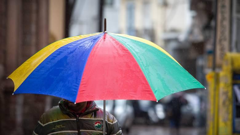 Καιρός: Χαλάει το «σκηνικό» σήμερα - Πού θα «χτυπήσουν» βροχές και καταιγίδες