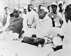1938 Ο Μαχάτμα Γκάντι στη Χαριπούρα της Ινδίας.
