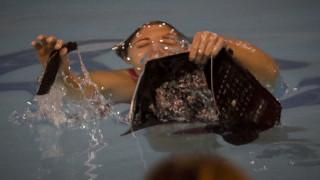 Δύο τραυματίες από τα επεισόδια στον αγώνα πόλο γυναικών Ολυμπιακός - Γλυφάδα