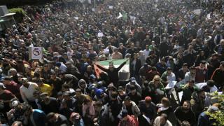 Ένας νεκρός και 183 τραυματίες στο Αλγέρι