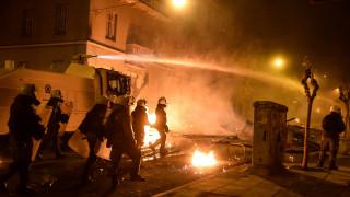 Θεσσαλονίκη: Επεισόδια, μολότοφ κατά των ΜΑΤ και χημικά τη νύχτα