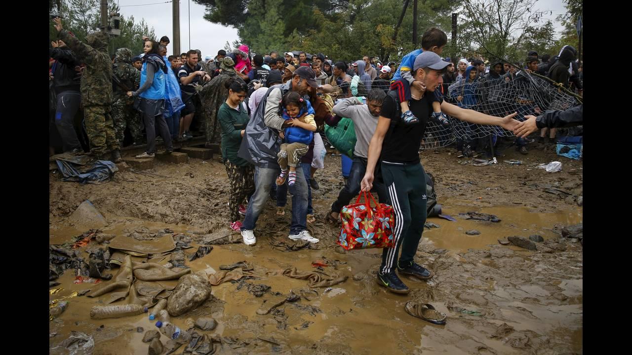 https://cdn.cnngreece.gr/media/news/2019/03/03/167720/photos/snapshot/2016-04-18T195220Z_194905575_GF10000387309_RTRMADP_3_EUROPE-MIGRANTS-GREECE.JPG