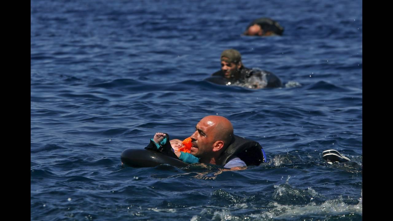 https://cdn.cnngreece.gr/media/news/2019/03/03/167720/photos/snapshot/2016-04-18T195248Z_103155132_GF10000387291_RTRMADP_3_EUROPE-MIGRANTS-GREECE.JPG