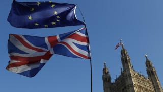Κρίσιμη εβδομάδα για το Brexit: Προς παράταση του «διαζυγίου»;