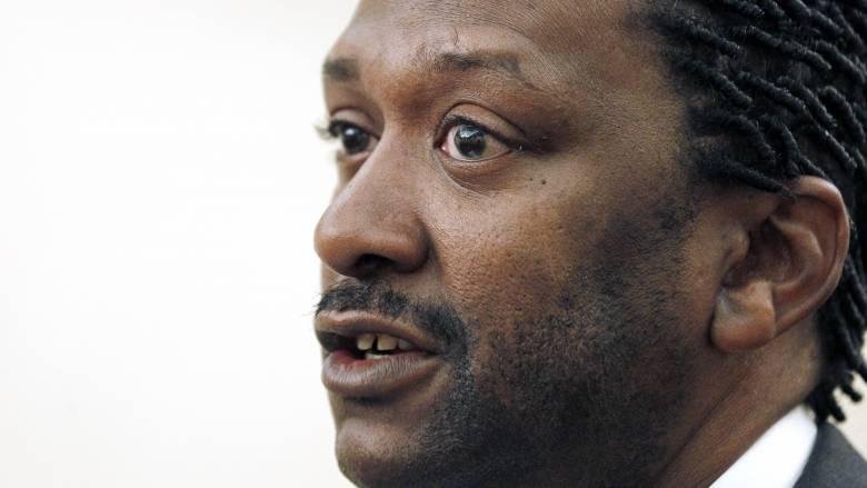 Αφροαμερικανός διείσδυσε σε νεοναζιστικό κόμμα και ανέλαβε την ηγεσία του με σκοπό... να το διαλύσει