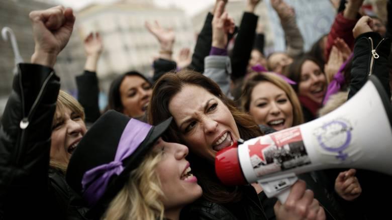 Φεμινιστική απεργία για πρώτη φορά στην Ελλάδα: Δείτε ποια μέρα δεν θα δουλέψουν οι γυναίκες