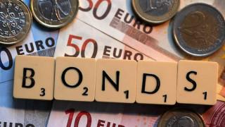 Το Δημόσιο άντλησε 2,5 δισ. ευρώ μέσω του δεκαετούς ομολόγου