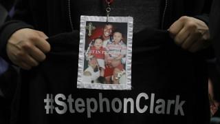 Δολοφονία Στέφον Κλαρκ: Δεν θα ασκηθεί δίωξη στους αστυνομικούς που τον δολοφόνησαν