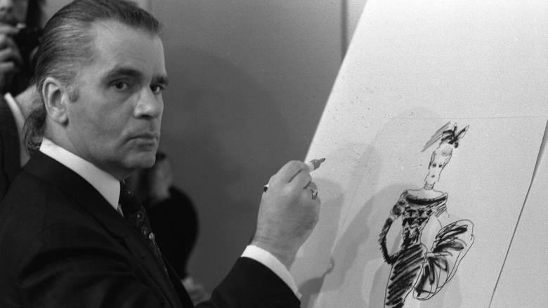Chanel: H τελευταία επίδειξη με τα ρούχα του Λάγκερφελντ ήταν ένας συγκινητικός αποχαιρετισμός