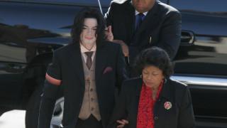 «Θα έκοβα τις φλέβες μου πριν κακοποιούσα παιδί»: Τι δήλωνε το 1999 ο Μάικλ Τζάκσον