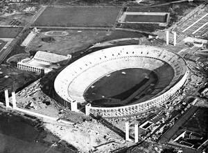 1936 το νέο Ολυμπιακό Στάδιο που χτίστηκε στο Βερολίνο για τους 11ους σύγχρονους Ολυμπιακούς Αγώνες.