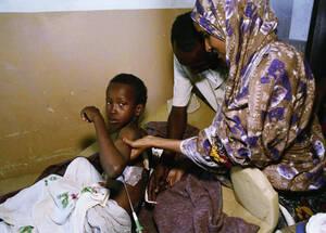 1993 Ένα παιδί χτυπήθηκε από σφαίρες κατά τη διάρκεια συμπλοκής ανάμεσα σε Σομαλούς και Αμερικανούς πεζοναύτες και νοσηλεύεται στο νοσοκομείο του Μιγκαντίσου.
