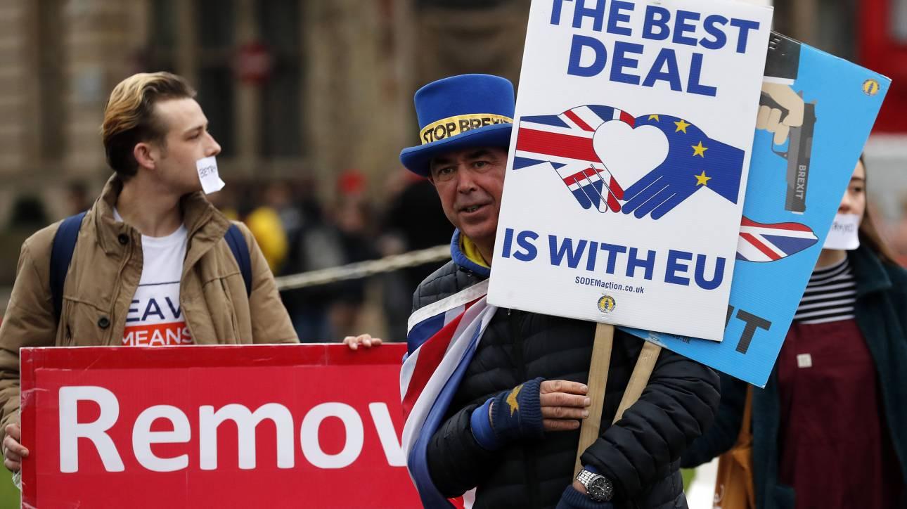 Σε ετοιμότητα τα υπουργεία για ένα «άτακτο» Brexit – Κατατίθεται άμεσα νομοσχέδιο