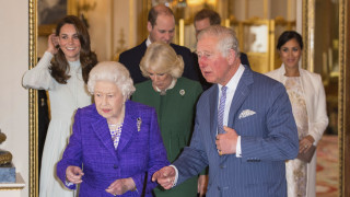 Η βασίλισσα Ελισάβετ τα βάζει με τα trolls του internet και κάνει το πρώτο της ποστ στο Instagram