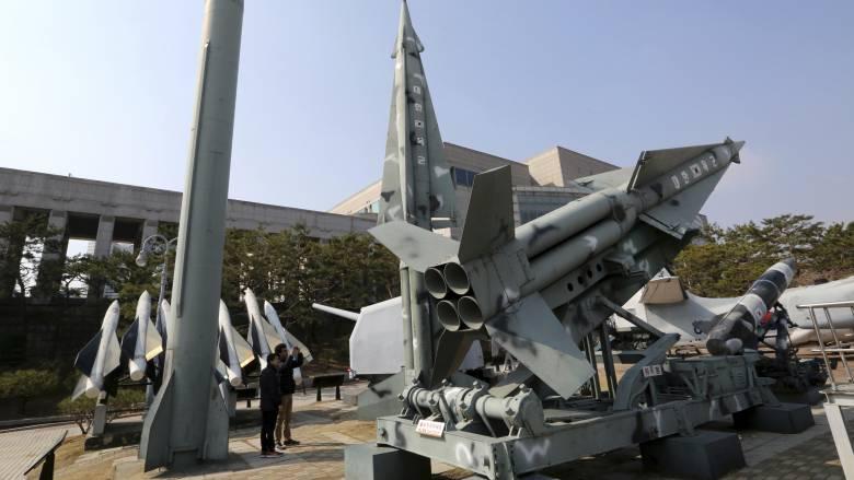 Βόρεια Κορέα: Ξανά σε λειτουργία οι εγκαταστάσεις εκτόξευσης πυραύλων του Κιμ