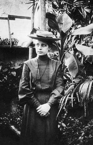 Lise Meitner. Η Λίζε Μάιτνερ (1878 - 1968) ήταν Αυστριακή φυσικός, η οποία εργάστηκε στον τομέα της Πυρηνικής Φυσικής και της πυρηνικής ακτινοβολίας. Μαζί με τους Όττο Χαν  και Φριτς Στράσσμαν  υπήρξαν οι πρώτοι που αντιλήφθηκαν ότι ο πυρήνας του ουρανίου