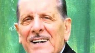 Πέθανε γνωστός τραγουδιστής που είχε μείνει άστεγος μετά τη φωτιά στο Μάτι