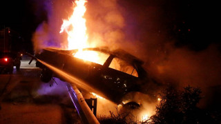 Διακοπή της κυκλοφορίας στην Αθηνών-Λαμίας: Αυτοκίνητο με μπουκάλες υγραερίου τυλίχτηκε στις φλόγες