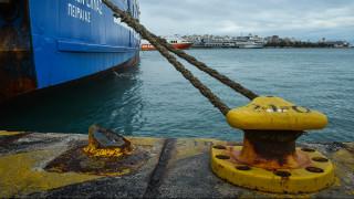 Τραγωδία στον Πειραιά: Βρέθηκε νεκρός μέσα στο φορτηγό του