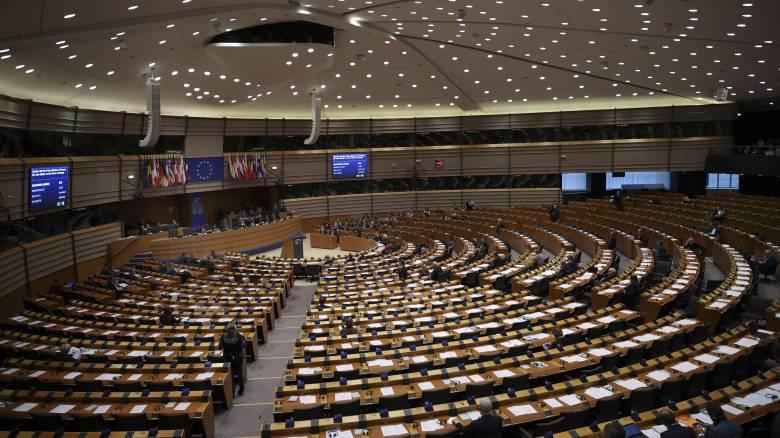 Δημοσκόπηση Bild: Η ευρωπαϊκή ακροδεξιά θα διπλασιάσει τις έδρες της στο ευρωκοινοβούλιο
