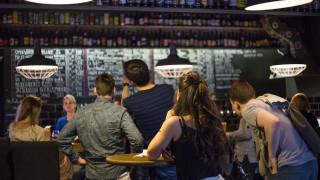 Βγήκαν για ένα ποτό στο Σάσεξ και βρέθηκαν στη Βαρκελώνη