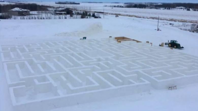 Ο μεγαλύτερος λαβύρινθος από πάγο βρίσκεται στον Καναδά και έχει ήδη γραφτεί στην ιστορία
