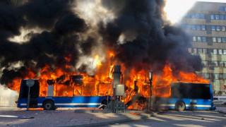 Ισχυρή έκρηξη στο κέντρο της Στοκχόλμης – Στις φλόγες λεωφορείο